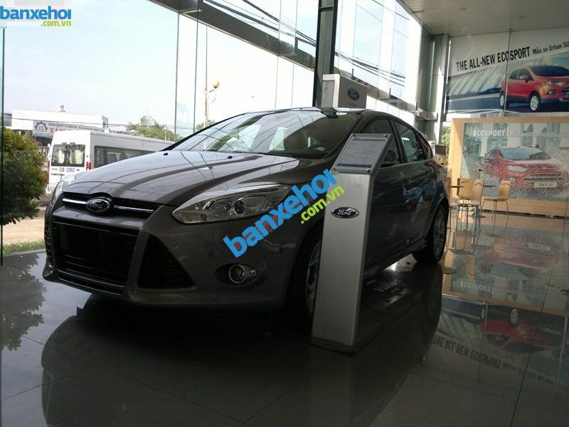 Xe Ford Focus  2014-1