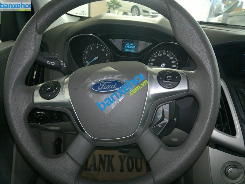 Xe Ford Focus  2014-7