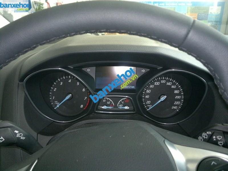 Xe Ford Focus  2014-9