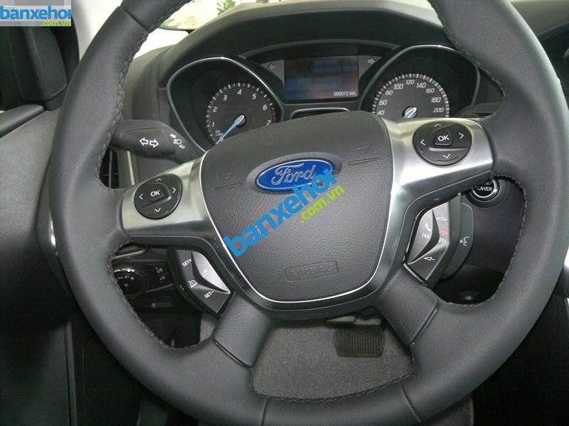 Xe Ford Focus  2014-8