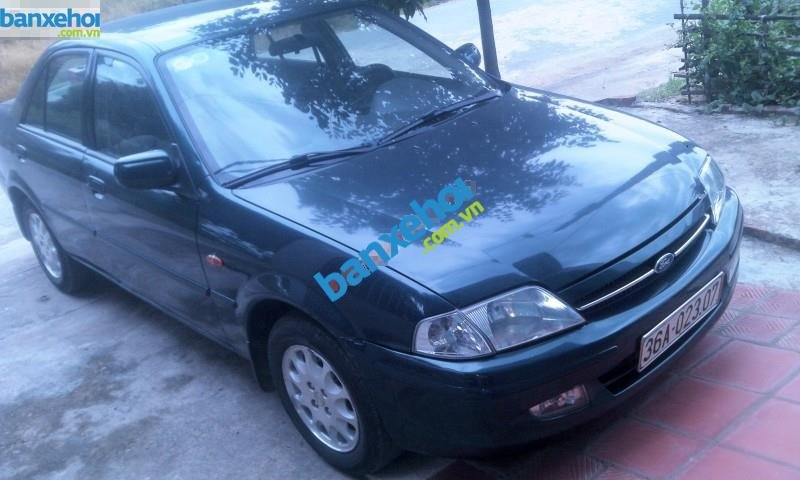 Xe Ford Laser  2001-0