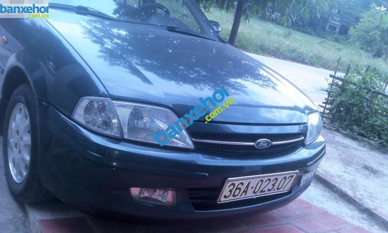 Xe Ford Laser  2001-1