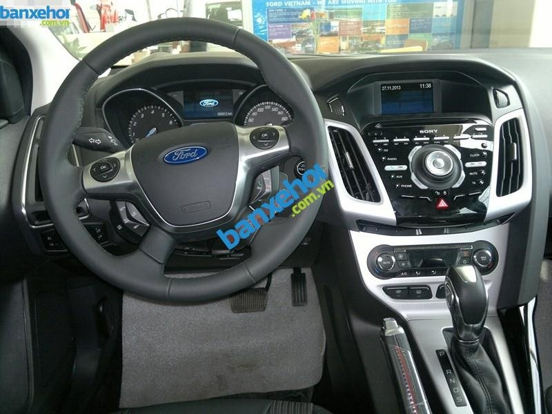 Xe Ford Focus  2014-6