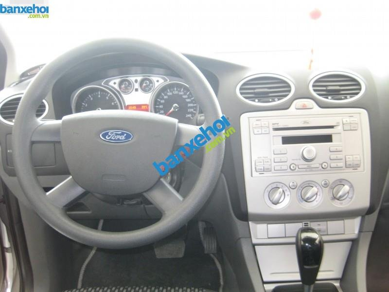 Xe Ford Focus  2011-8