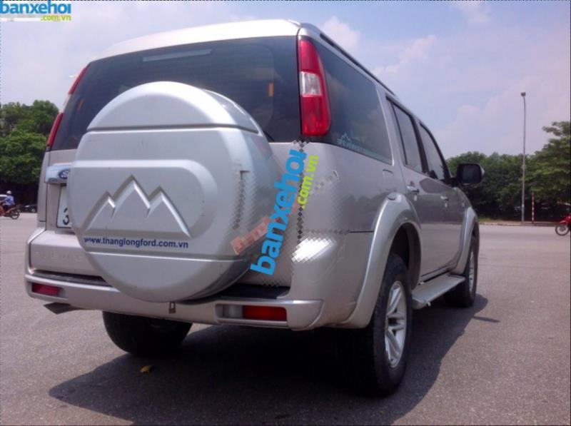 Xe Ford Everest 4x2 MT 2010-3