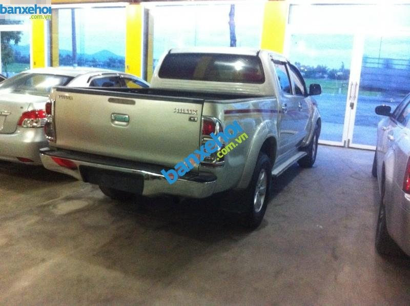 Xe Toyota Hilux G 2010-3