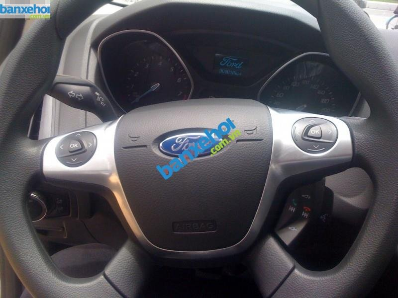 Xe Ford Focus 1.6AT 2014-5