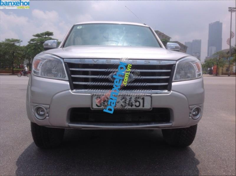 Xe Ford Everest 4x2 MT 2010-2