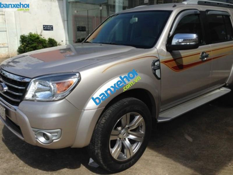 Xe Ford Everest  2011-0