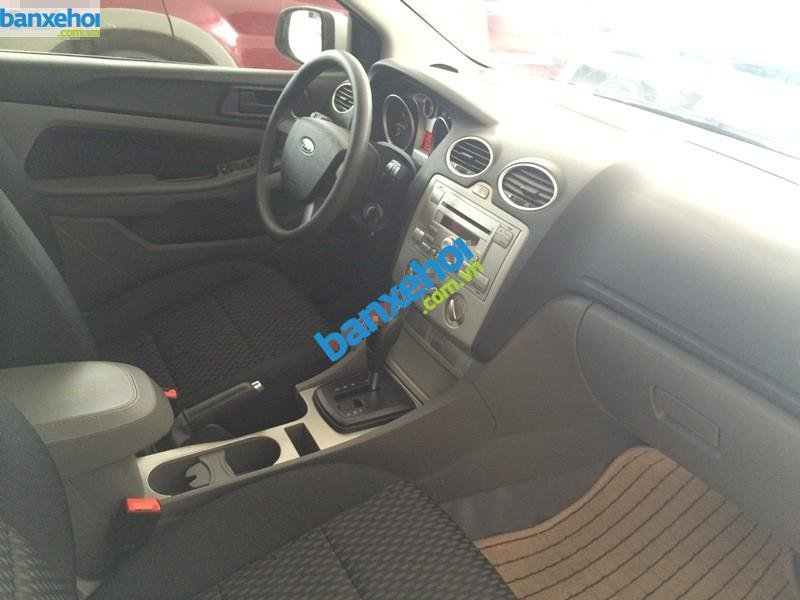 Xe Ford Focus  2010-7