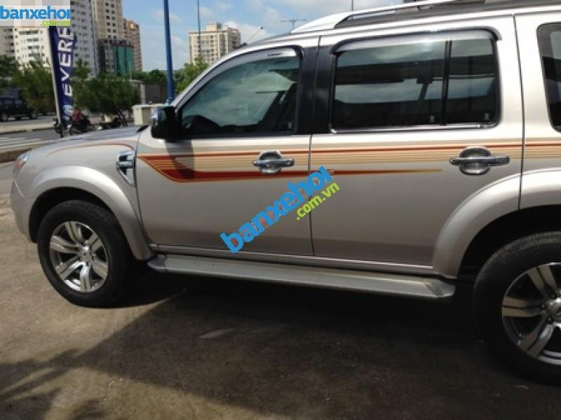 Xe Ford Everest  2011-3