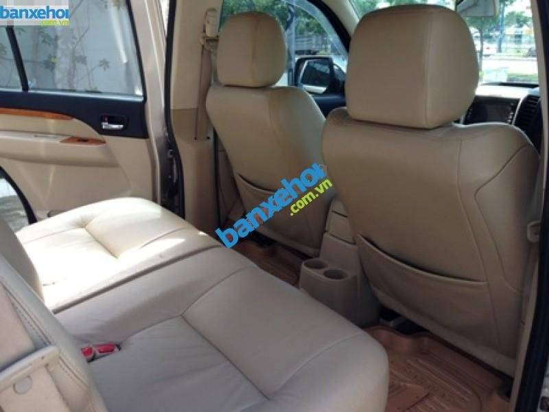Xe Ford Everest  2011-7