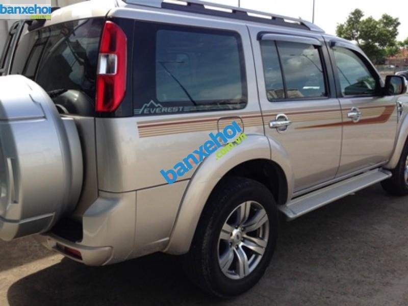 Xe Ford Everest  2011-5