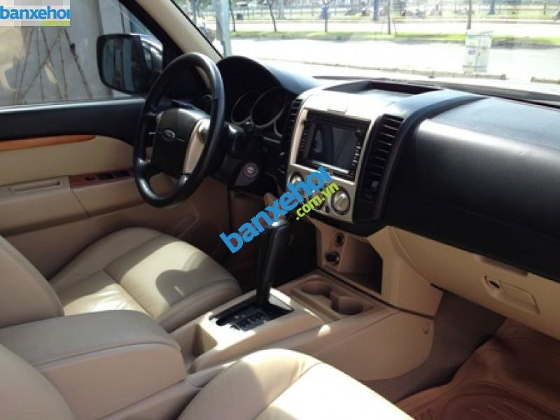 Xe Ford Everest  2011-6