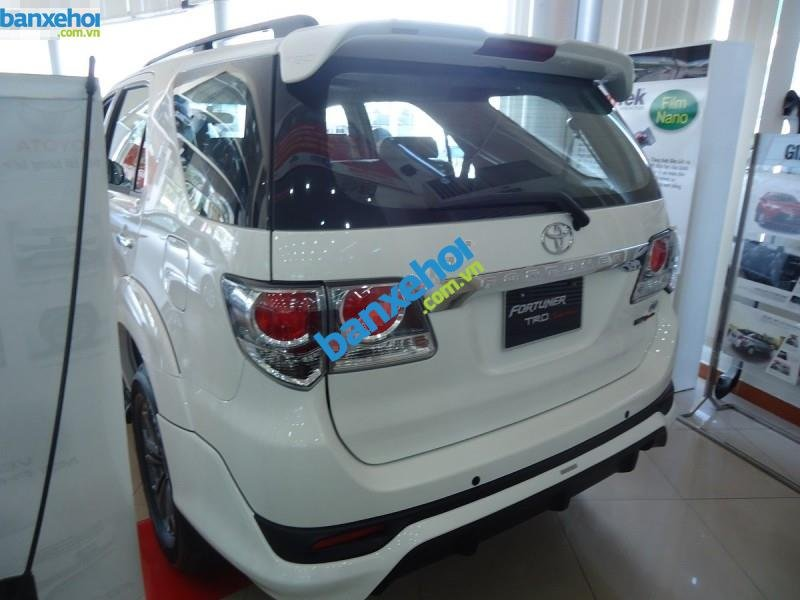 Xe Toyota Fortuner TRD Sportivo 4x2AT 2014-2