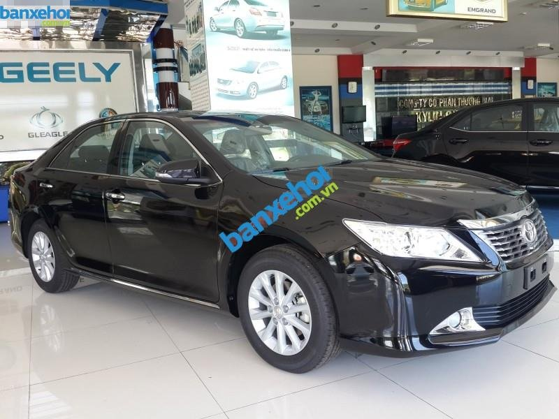 Xe Toyota Camry 2.0AT 2014-0