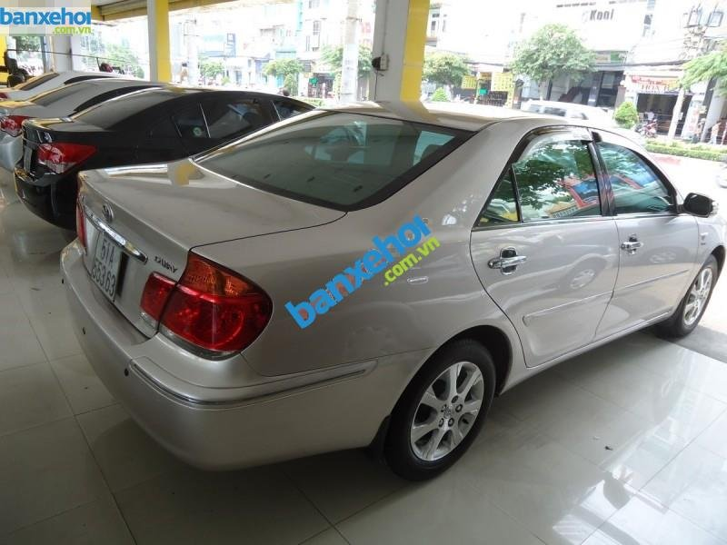 Xe Toyota Camry 2.4MT 2004-4