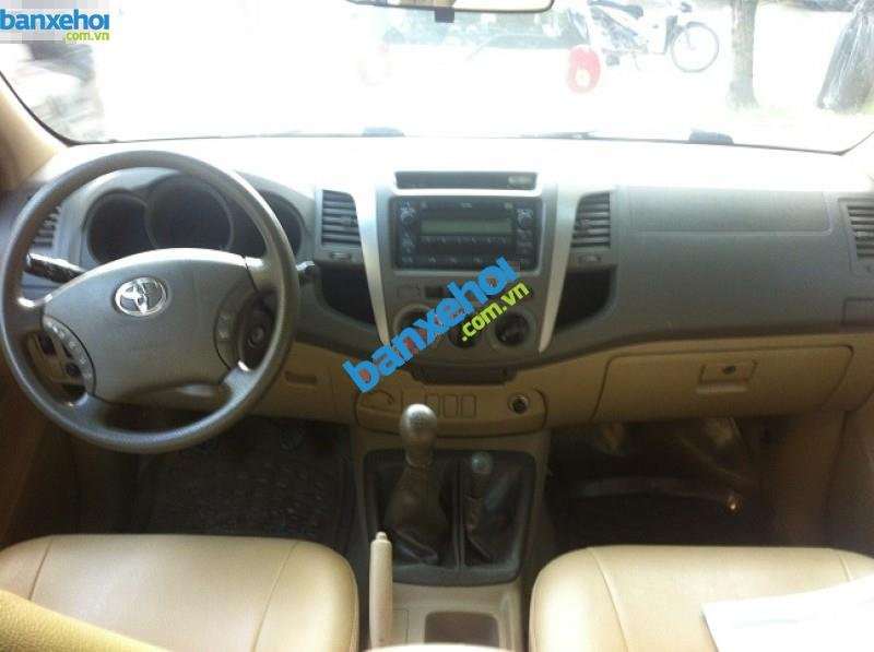 Xe Toyota Hilux 3.0G 2010-3