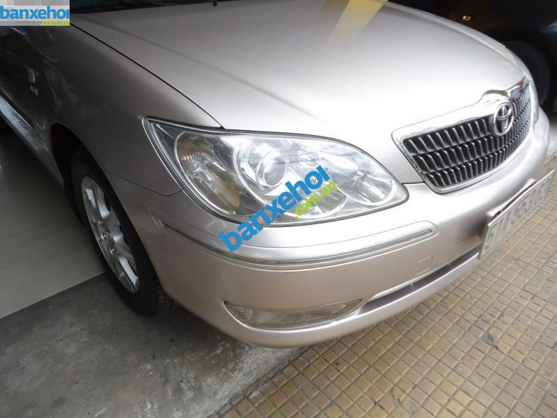 Xe Toyota Camry 2.4MT 2004-2