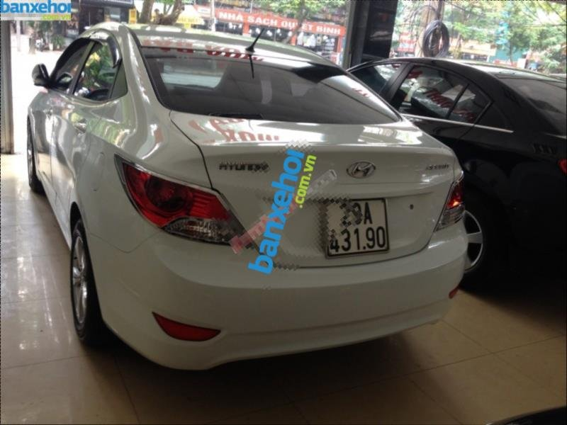 Xe Hyundai Accent 1.4AT 2011-4