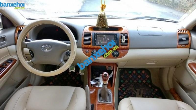 Xe Toyota Camry 2.4G MT 2003-6