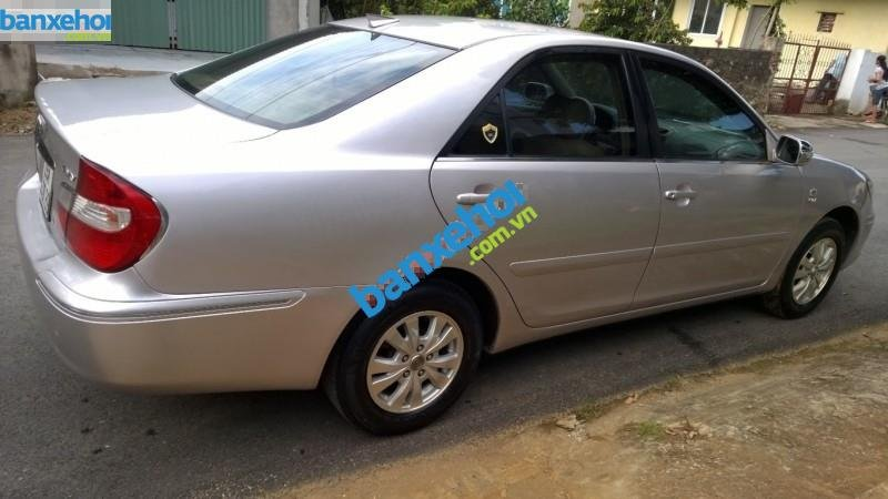 Xe Toyota Camry 2.4G MT 2003-4