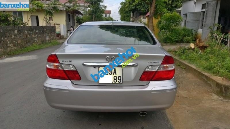Xe Toyota Camry 2.4G MT 2003-5