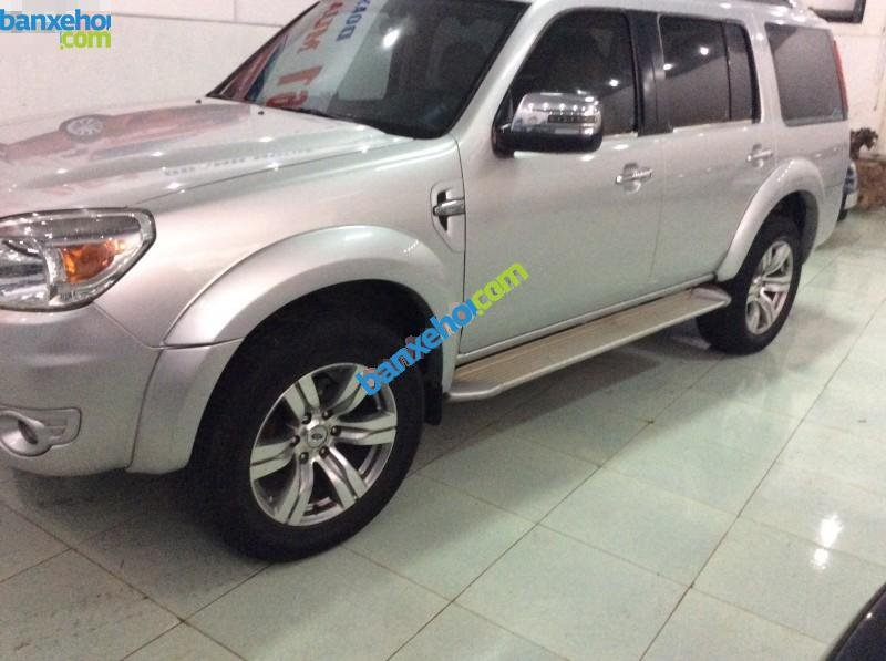 Xe Ford Everest  2010-1
