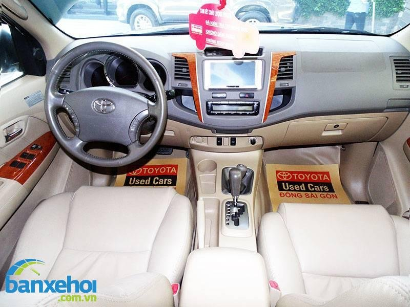 Xe Toyota Fortuner  2011-4