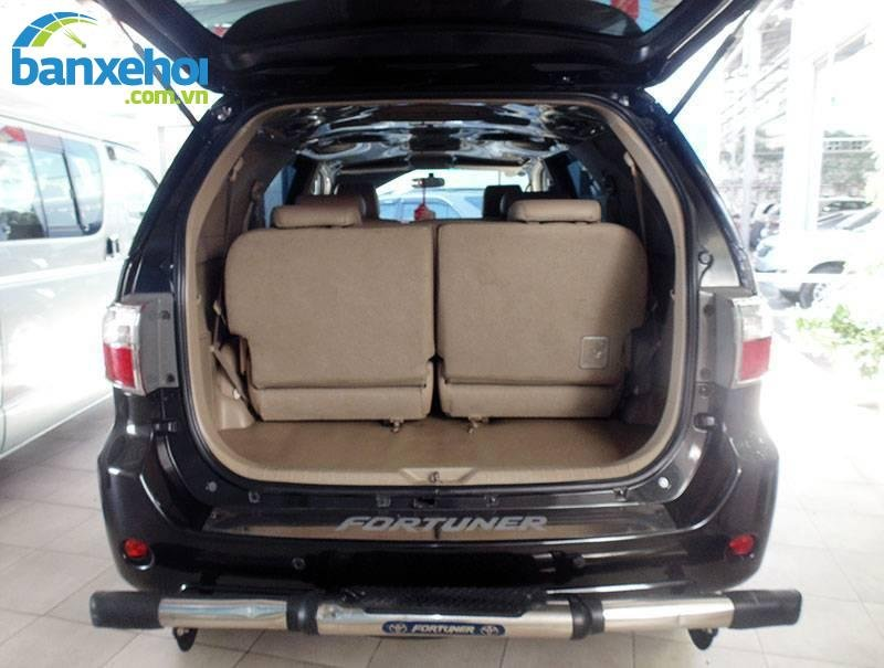 Xe Toyota Fortuner  2011-5