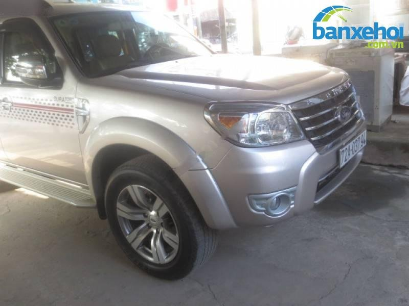 Xe Ford Everest Limited 2012-1