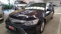 Cần bán Toyota Camry 2.0E, đổi màu xanh nhớt sơn trong hãng, mới đi 39.000km, xe cực đẹp, cực chất
